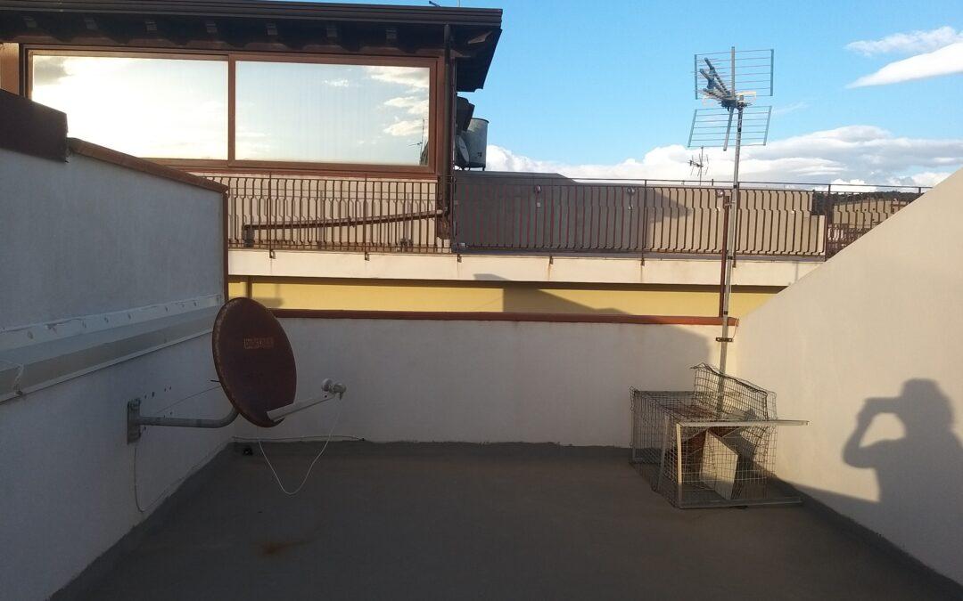 Ig 362 Spadafora appartamento con garage Euro 33.000